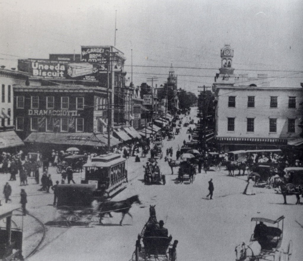 Hagerstown Public Square c. 1900. Source: Public Domain, commons.wikimedia.org